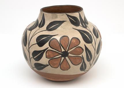 Pottery Jar, Zuni, 1950 Native American Indian antique vintage art for sale purchase auction consign denver colorado art gallery museum